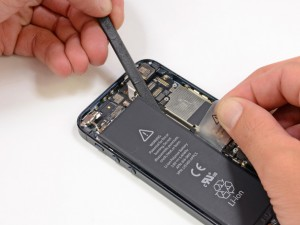 iPhone 5 battery replacement via ifixit.com