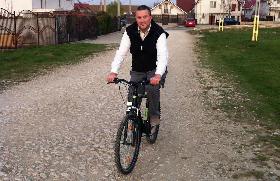 Adrian Boioglu pe bicicletă