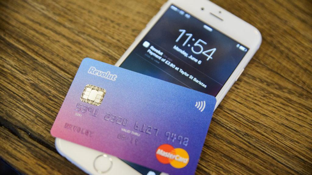 Revolut - Aplicație și Card