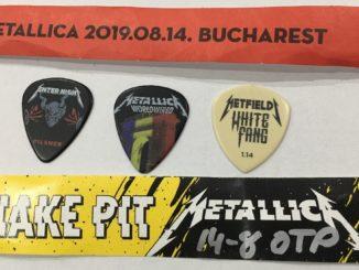 Brățări Gazon A și Snake Pit și pene de chitară de la concertul Metallica în București