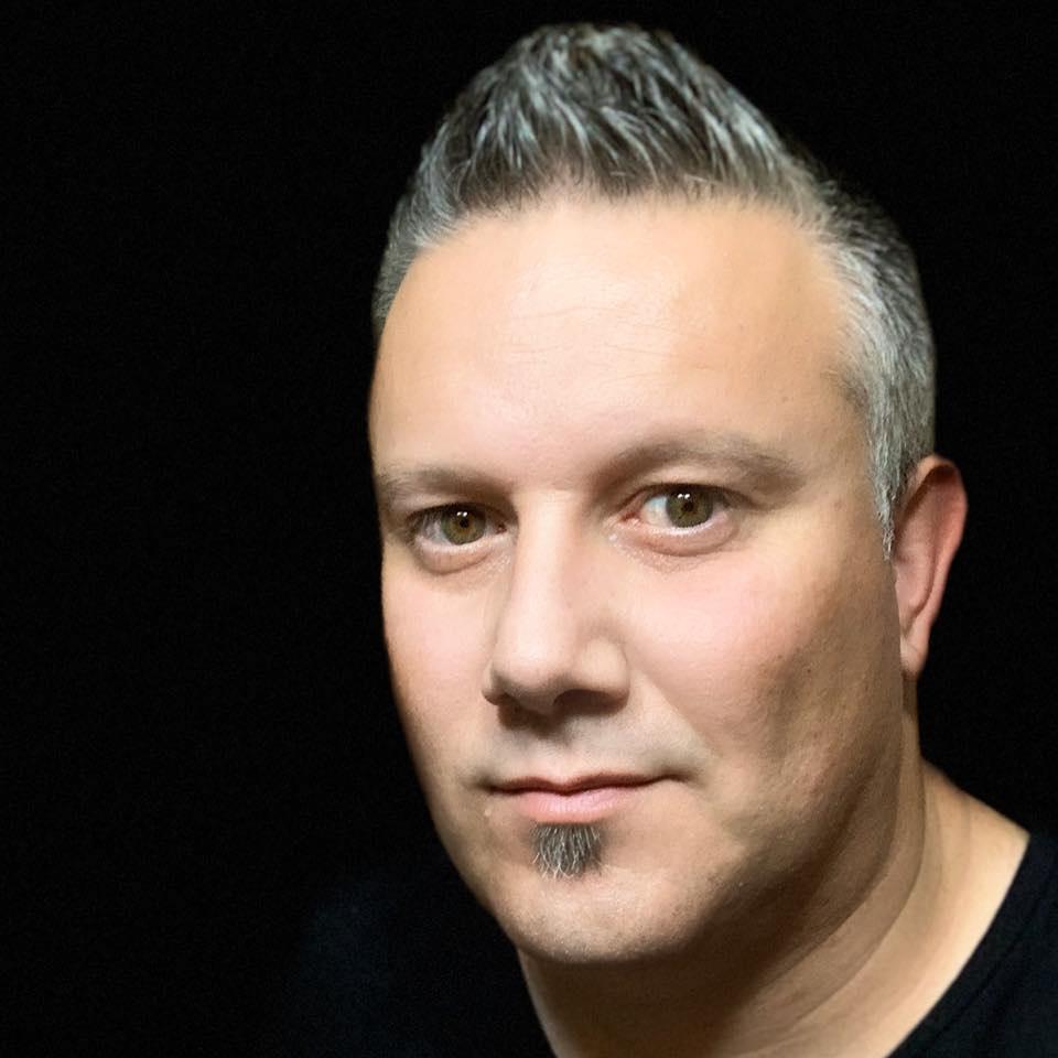 Adrian Boioglu. FOTO autoportret