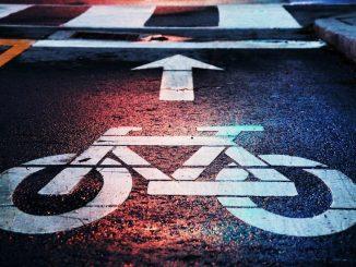 Pistă de biciclete. FOTO Andrew Gook / unsplash