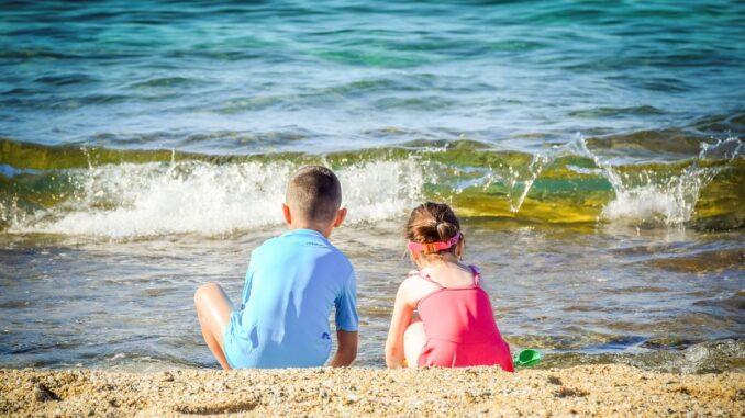Cazare și mese gratuite pentru copii, oferite de mai multe hoteluri de pe litoralul românesc