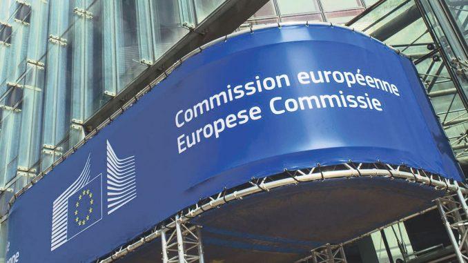 CE recomandă eliminarea parțială și treptată a restricțiilor de călătorie, FOTO Comisia Europeană