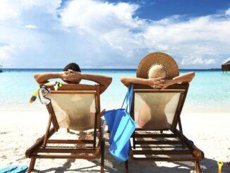 Angajații reîncep să cumpere vacanțe în România